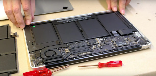MacBook Air (2010-2015): Replacing the battery (tutorial)